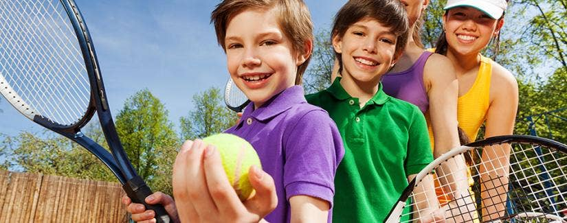 Teaching kids tennis